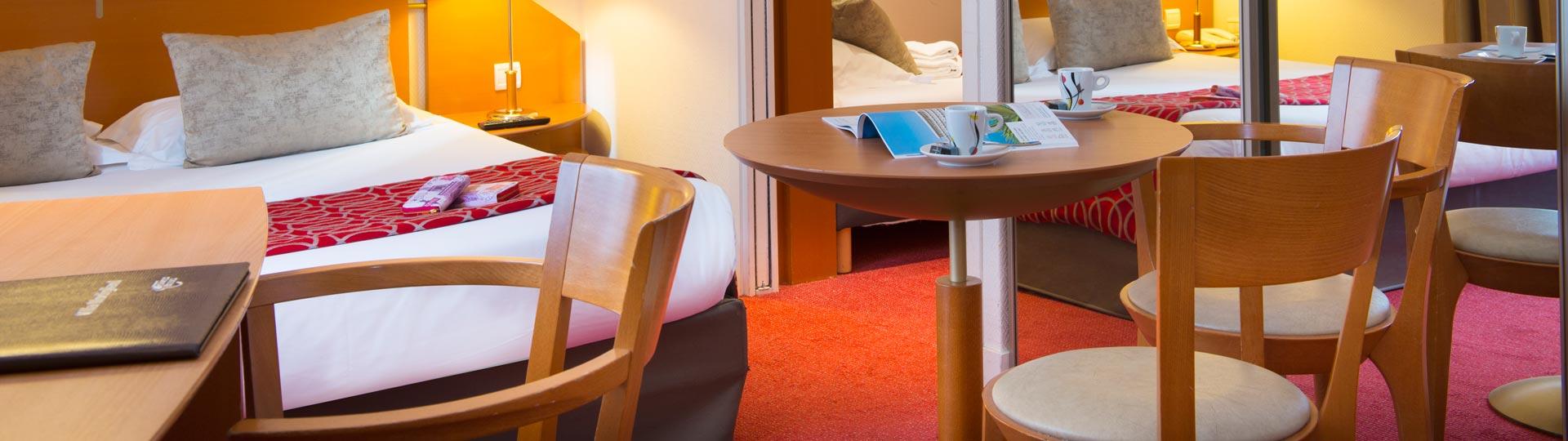 H tel avec chambre familiale paris la villa modigliani for Hotel paris chambre 4 personnes